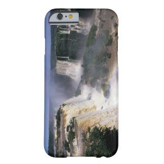 Caídas de Iguacu, el Brasil Funda De iPhone 6 Barely There