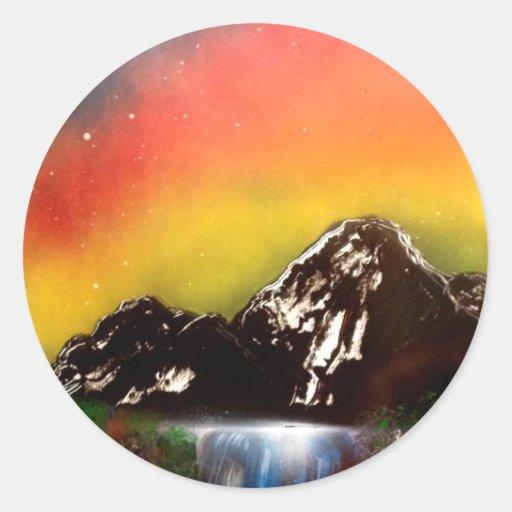 Caídas de la montaña pegatina redonda