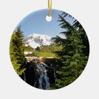 Caídas de Myrtle, el Monte Rainier Adorno Redondo De Cerámica