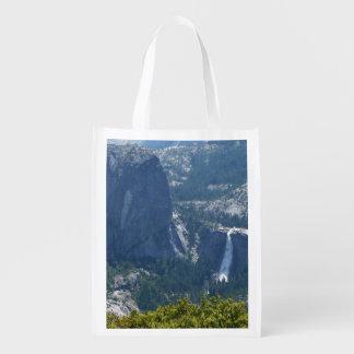 Caídas de Nevada del rastro Yosemite del panorama Bolsas Para La Compra