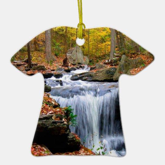 Caídas del otoño del agua adorno navideño de cerámica en forma de playera