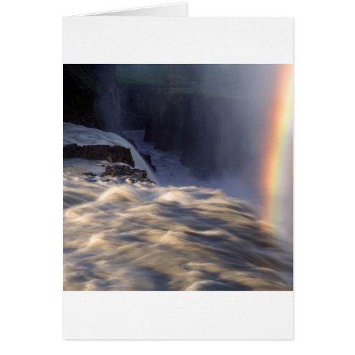 Caídas del Rapid del arco iris del agua Tarjetón