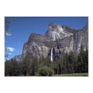 """Caídas del valle de Yosemite, los E.E.U.U. Invitación 5"""" X 7"""""""