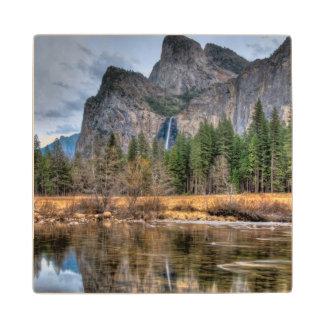 Caídas escénicas de Yosemite Posavasos De Madera