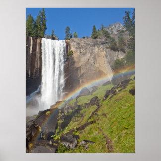 Caídas vernales en el parque nacional de Yosemite Impresiones