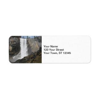 Caídas vernales Yosemite Etiquetas De Remite