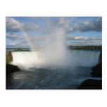 Caídas y arco iris de la herradura del lado canadi postales