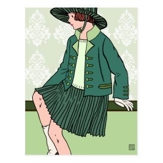 Caitlin en el verde - postales