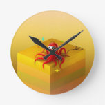 Caja amarilla abstracta reloj