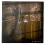 Caja antigua del equipaje y del violín azulejo cuadrado grande