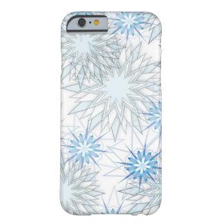 Caja azul y blanca del copo de nieve abstracto del funda de iPhone 6 barely there