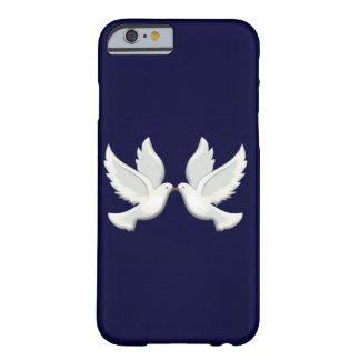 Caja blanca del iPhone 6 de las palomas Funda Barely There iPhone 6