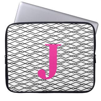 Caja blanco y negro con monograma del ordenador mangas computadora