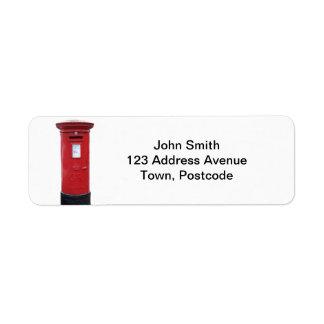 Caja británica roja del poste etiqueta de remite