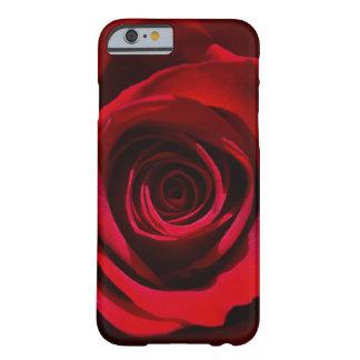 Caja color de rosa rojo oscuro del iPhone 6 Funda De iPhone 6 Barely There