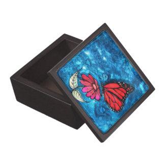 Caja de la mariposa de monarca: Imagen de Cyn Mc Caja De Joyas De Calidad