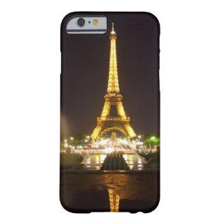 caja de la torre Eiffel del caso del iPhone 6 Funda De iPhone 6 Barely There