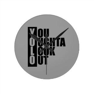 Caja de la vertical de YOLO Reloj