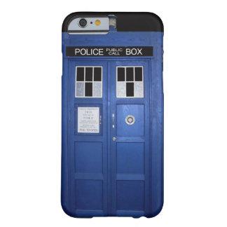 Caja de llamada azul de policía (foto) funda de iPhone 6 barely there
