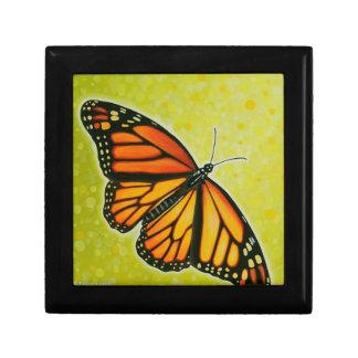Caja de regalo altísima de la mariposa de monarca