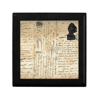 Caja de regalo antigua de la escritura