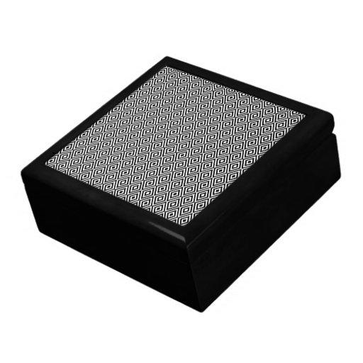 Caja de regalo blanco y negro de los diamantes