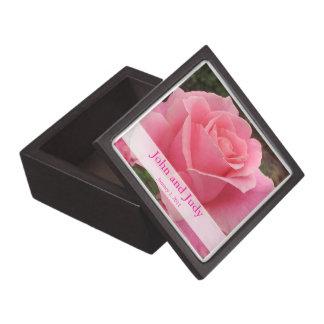 Caja de regalo color de rosa perfectamente rosada  cajas de joyas de calidad