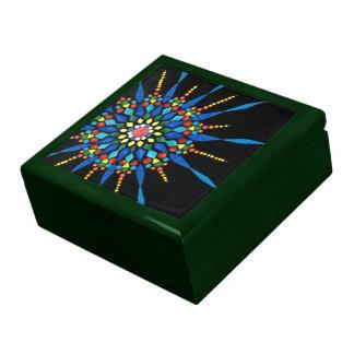 Caja de regalo colorida del mosaico de las piedras
