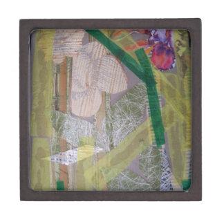Caja de regalo con collage de papel reciclado cajas de recuerdo de calidad