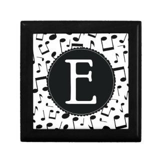 Caja de regalo de la letra E del monograma de la