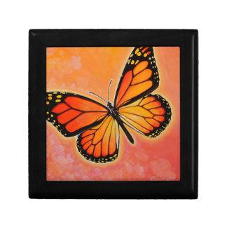 Caja de regalo de la mariposa de monarca que agita joyero cuadrado pequeño