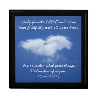 Caja de regalo de la nube del corazón con