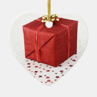 Caja de regalo del corazón adorno navideño de cerámica en forma de corazón