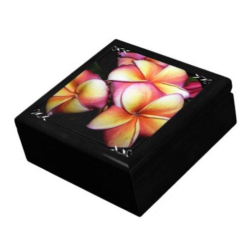 Caja de regalo floral hawaiana