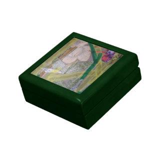 Caja de regalo pequeña teja con collage de papel