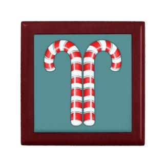 Caja de regalo roja de los bastones de caramelo