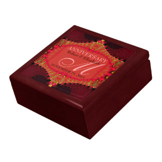 Caja de regalo rosada coralina del aniversario de