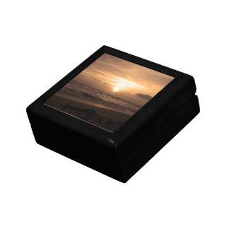 Caja de regalo tropical de la puesta del sol joyero cuadrado pequeño