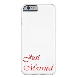caja del iPhone 6 apenas casada en rojo Funda Para iPhone 6 Barely There