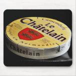 Caja del queso del camembert alfombrillas de ratón