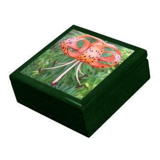 Caja del recuerdo - lirio tigrado l de GR-RRR Cajas De Regalo