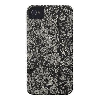 Caja floral negra y blanca del iPhone 5 del modelo Case-Mate iPhone 4 Protectores