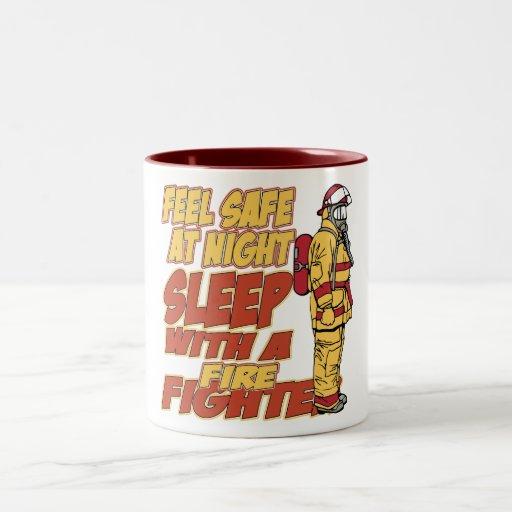 Caja fuerte de la sensación, sueño con un bombero taza de café