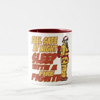 Caja fuerte de la sensación, sueño con un bombero taza de café de dos colores