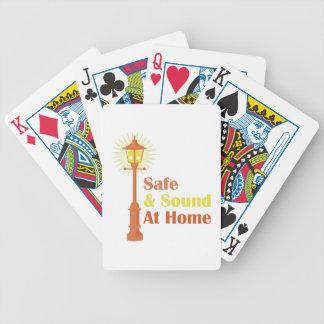 Caja fuerte y sonido baraja de cartas