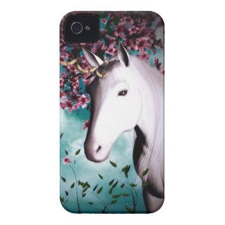Caja intrépida de Blackberry del unicornio Funda Para iPhone 4 De Case-Mate