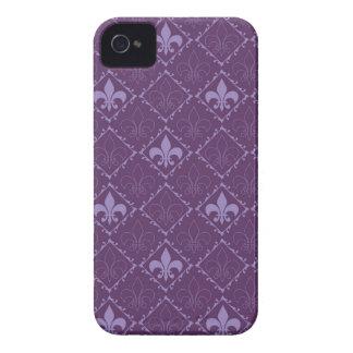 Caja intrépida de la zarzamora púrpura de la flor funda para iPhone 4