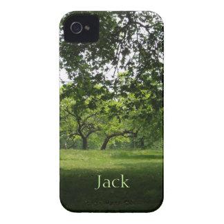 Caja intrépida personalizada parque verde de iPhone 4 Case-Mate protectores