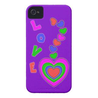 Caja intrépida púrpura de Blackberry de los corazo iPhone 4 Case-Mate Carcasas