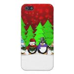 Caja linda de la mota de los Carolers del pingüino iPhone 5 Protectores
